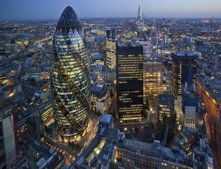 UK financial advice sector 'urgently needs new blood'